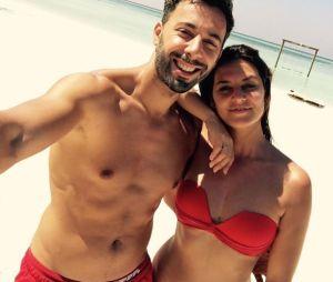 Laetitia Milot sexy en bikini avec Badri, son mari, aux Madives pour Noël 2016