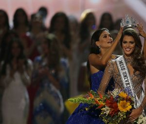 Iris Mittenaere Miss Univers 2016 : son message touchant à sa grand-mère