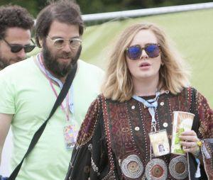 Adele enceinte de son époux Simon Konecki ? La photo qui sème le doute !