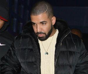 Drake en couyple avec Sade ? Le rappeur se fait un tatouage pour la chanteuse.