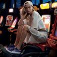 Puma Basket Heart Denim : le modèle culte en version 100% jeans aux pieds de Cara Delevingne dans la nouvelle campagne publicitaire !