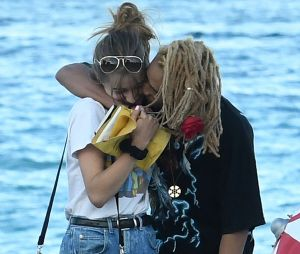 Jaden Smith et Odessa Adlon : le couple photographié par des paparazzi en Floride
