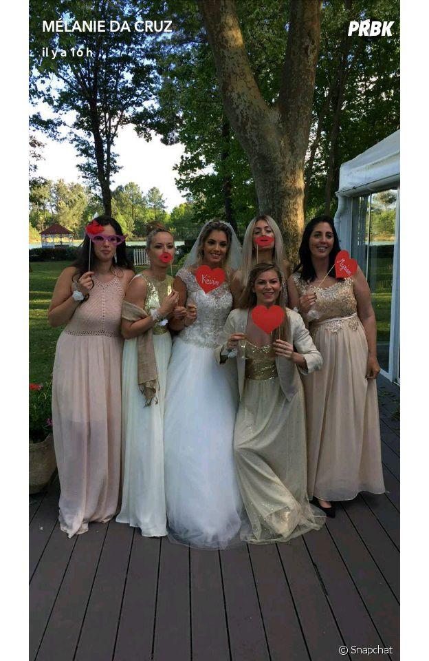 Mélanie Da Cruz sublime au mariage de son amie Myriam le 6 mai 2017