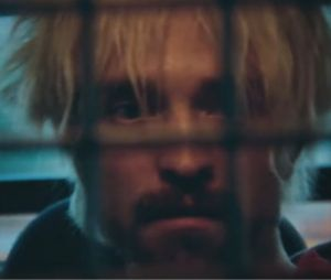 Robert Pattinson devient blond dans le film Good Time