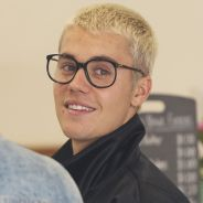 """Justin Bieber a-t-il annulé sa tournée pour """"dédier sa vie au Christ"""" ? Il répond"""