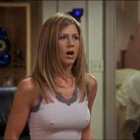 Friends : Jennifer Aniston critique les remarques sur ses tétons