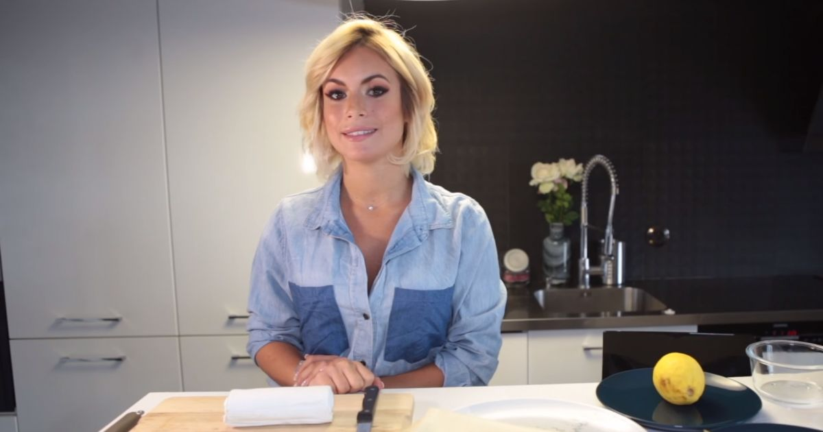 carla les marseillais lance sa cha ne youtube pour r aliser des recettes de cuisine purebreak. Black Bedroom Furniture Sets. Home Design Ideas