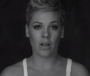 """Clip """"Wild Hearts Can't Be Broken"""" : Pink fait entendre sa voix pour défendre les femmes"""