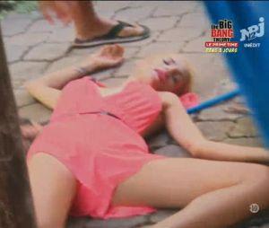 Mathilde (Friends Trip 4) en pleine crise de panique face à un cafard : elle s'évanouit