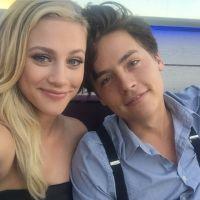 Cole Sprouse et Lili Reinhart en vacances au Mexique : ils ne se cachent (presque) plus 😍