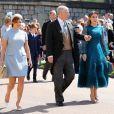 Princesse Eugenie et Princess Beatrice avec le duc d'York au mariage de Meghan Markle et du Prince Harry.