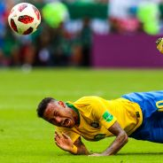 Neymar et ses roulades au coeur de détournements après Brésil - Mexique en Coupe du Monde