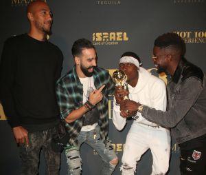 Paul Pogba, Adil Rami, Samuel Umtiti et Steven Nzonzi s'éclatent avec la coupe du monde à la Maxim Hot 100 Experience à Los Angeles !