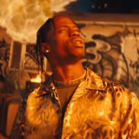 "Clip ""Stop Trying To Be God"" : Travis Scott transforme Kylie Jenner en sainte 😇"