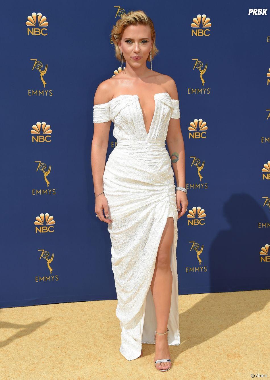 Scarlett Johansson sur le tapis rouge des Emmy Awards 2018 le 17 septembre à Los Angeles