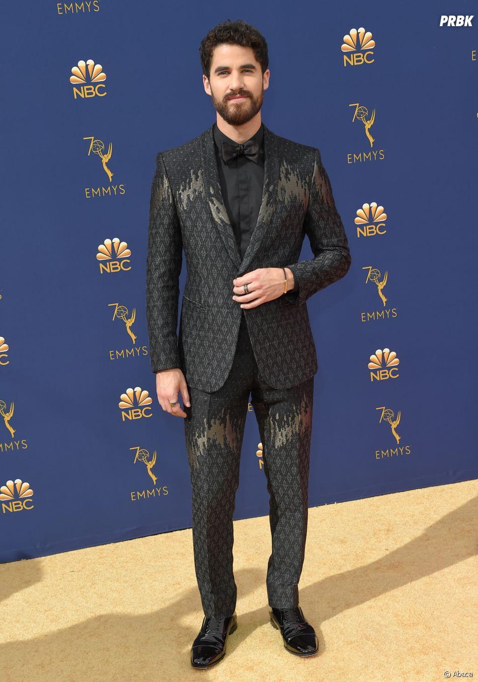 Darren Criss sur le tapis rouge des Emmy Awards 2018 le 17 septembre à Los Angeles