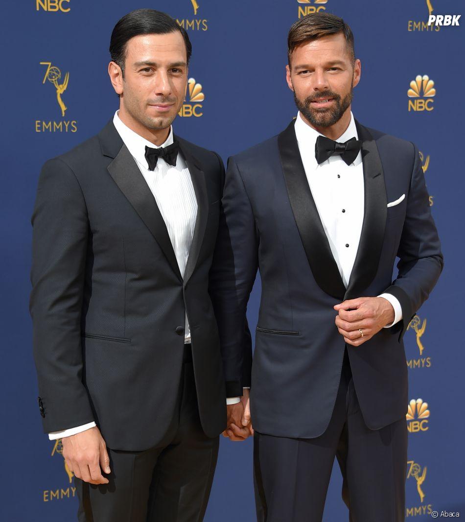 Ricky Martin et son mari Jwan Yosef sur le tapis rouge des Emmy Awards 2018 le 17 septembre à Los Angeles