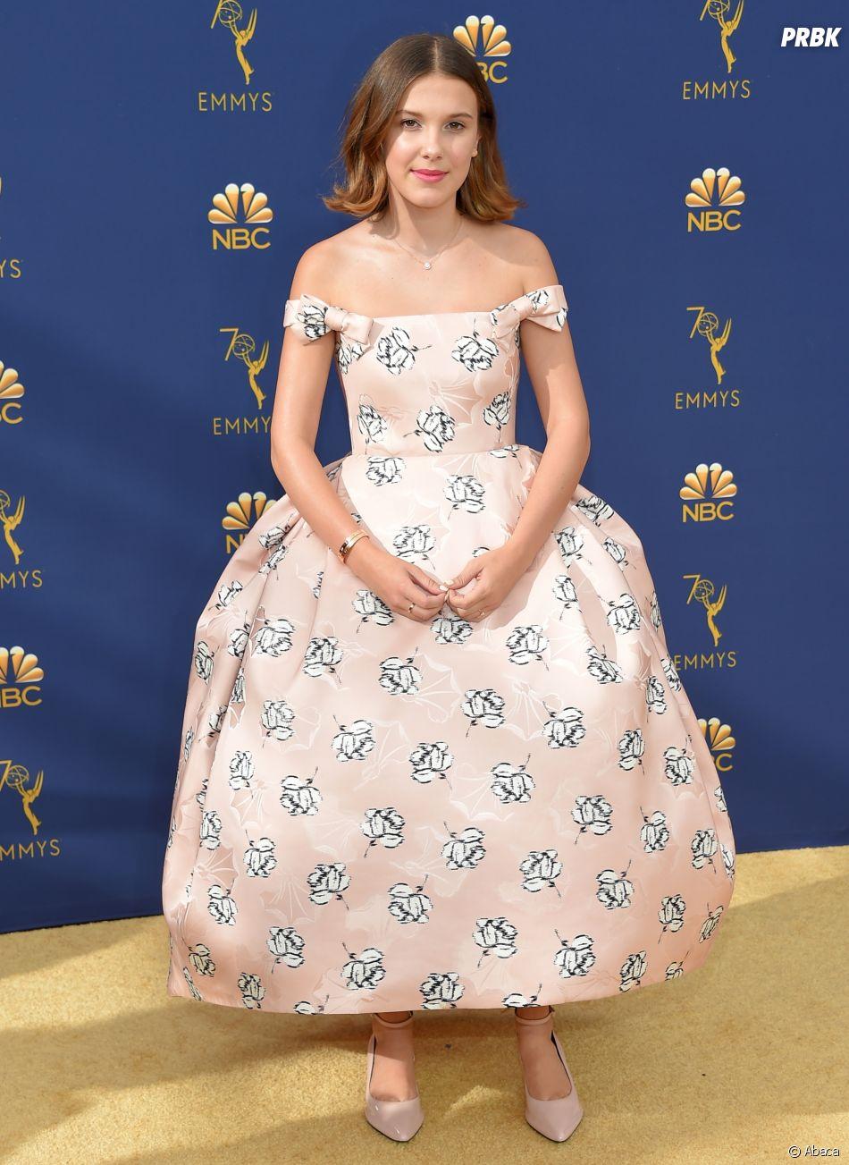 Millie Bobby Brown sur le tapis rouge des Emmy Awards 2018 le 17 septembre à Los Angeles