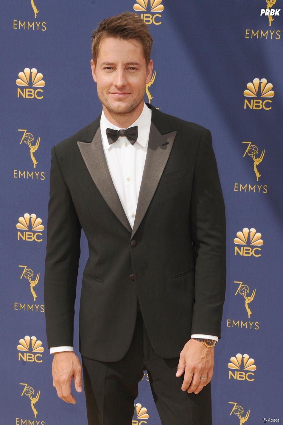 Justin Hartley sur le tapis rouge des Emmy Awards 2018 le 17 septembre à Los Angeles