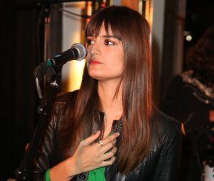 Clara Luciani à la soirée Privé Revaux x Krys au Café de l'Homme à Paris.