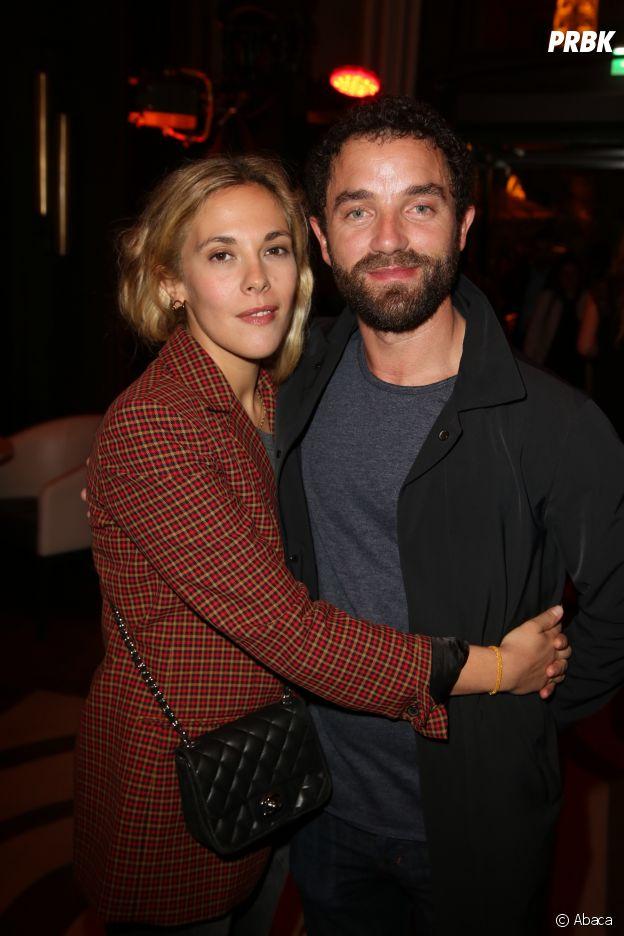 Alysson Paradis et son compagnon Guillaume Gouix à la soirée Privé Revaux x Krys au Café de l'Homme à Paris.