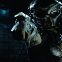 "The Predator : ""J'ai failli mourir avec les Navy Seals pour le film"" confie Boyd Holdbrook"