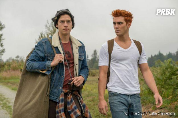 Riverdale : Cole Sprouse (Jughead) a failli jouer Archie (KJ Apa).