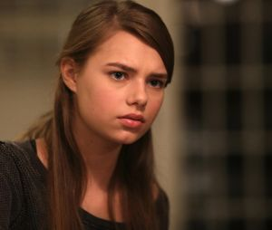 Indiana Evans dans Secrets and Lies