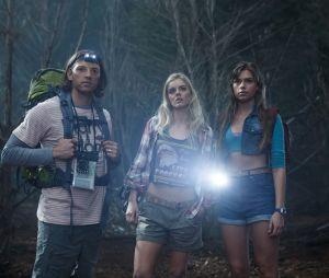 Indiana Evans (à droite) dans Ash vs Evil Dead