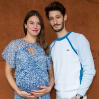 Pierre Niney papa : sa chérie Natasha Andrews a accouché de leur bébé, elle dévoile une photo