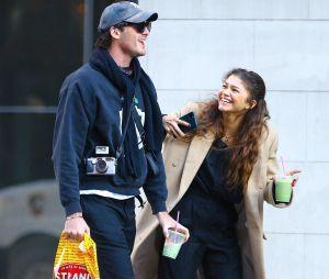 Zendaya et Jacob Elordi ensemble dans les rues de New York ce lundi 3 février 2020