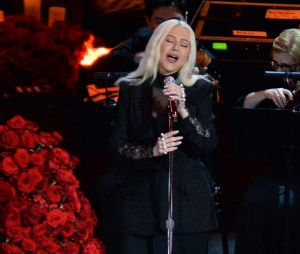 Christina Aguilera rend hommage en chanson à Kobe Bryant et sa fille Gianna le 24 février 2020 au Staples Center de Los Angeles