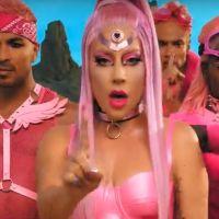 """Lady Gaga en reine de l'amour dans le clip de """"Stupid Love"""""""