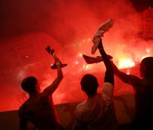 PSG-Dortmund : les supporters parisiens et Layvin Kurzawa fêtent la victoire malgré la coronavirus
