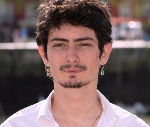 Théo Fernandez dans Les Tuche VS dans la vie : l'acteur a bien grandi