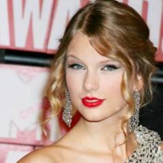 Justin Bieber ... il félicite Taylor Swift pour son record ... un million d'albums vendus