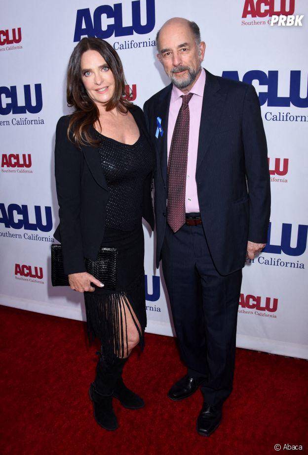 Good Doctor : Richard Schiff (Dr Glassman) et Sheila Kelley (Debbie) sont en couple dans la vie
