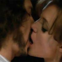 Johnny Depp ... Il s'est senti bête en embrassant Angelina Jolie