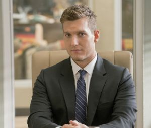 Scott Michael Foster dans Crazy Ex-Girlfriend