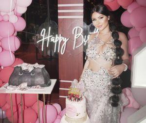 Maeva Ghennam (Les Marseillais à Dubaï) a eu 24 ans : retour sur sa fête d'anniversaire grandiose à Dubaï