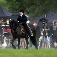 La Chronique des Bridgerton saison 2 : Anthony et Kate en action sur des photos de tournage