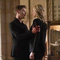 """The Vampire Diaries : Klaus et Caroline, un couple """"toxique"""" selon la créatrice"""