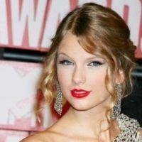 Taylor Swift ... ultra généreuse avec ses parents