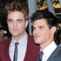 Interview promo de Twilight 4 : Robert Pattinson taille un costard à Taylor Lautner