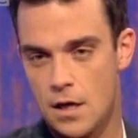 Robbie Williams victime d'une intoxication alimentaire, cloué au lit et placé sous morphine (PHOTO)