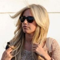 PHOTOS - Ashley Tisdale : blonde toujours