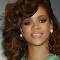 PHOTOS - Rihanna : sage pour la présentation de son parfum