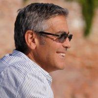 George Clooney : Il semble heureux avec Stacy Keibler