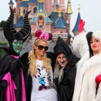 Paris Hilton laisse sa CB au repos et fête Halloween à Disneyland Paris(PHOTOS)
