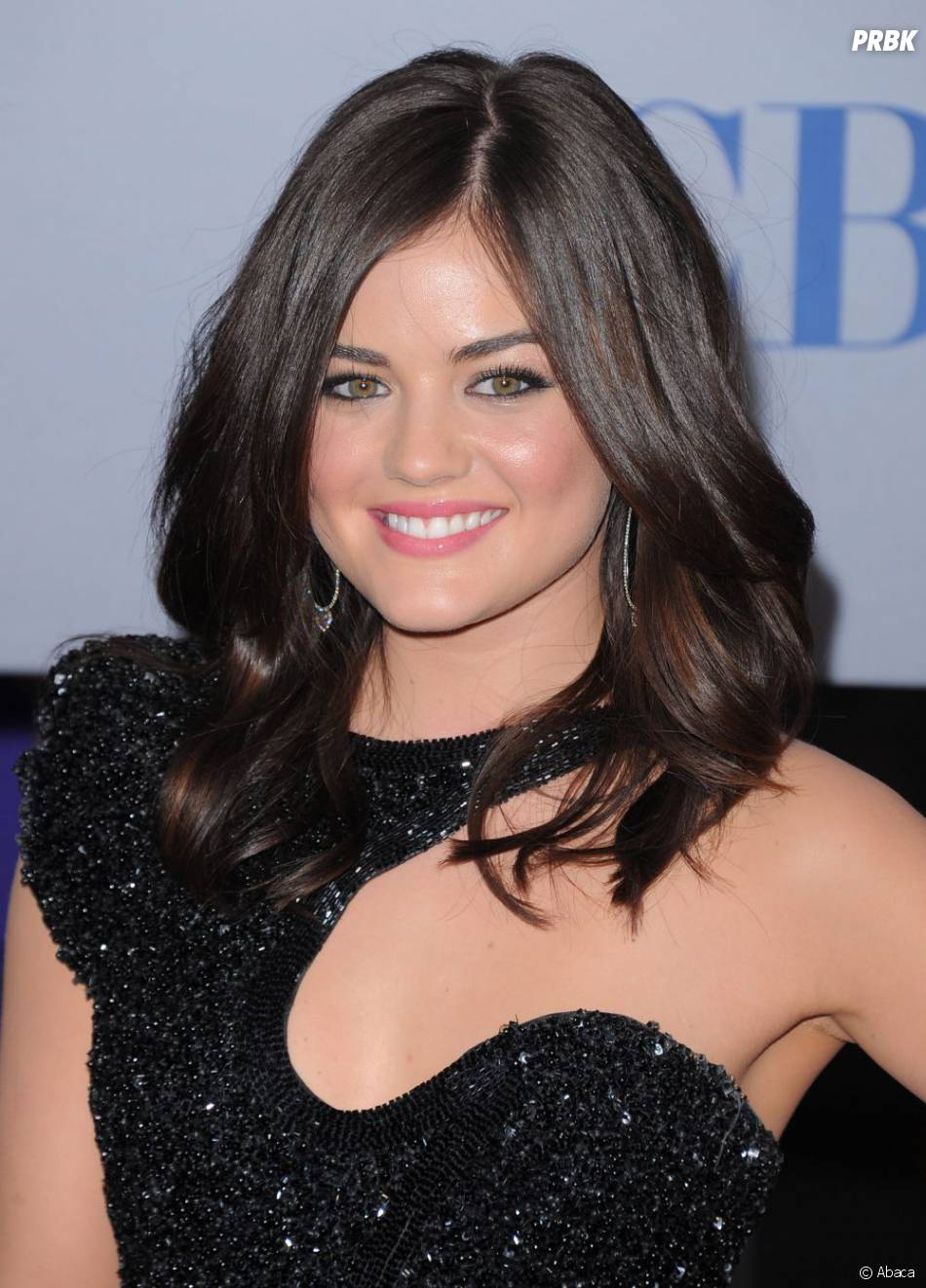Lucy Hale de Pretty Little Liars aux People's Choice Awards 2012